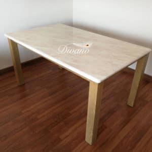 โต๊ะหินชีวาส